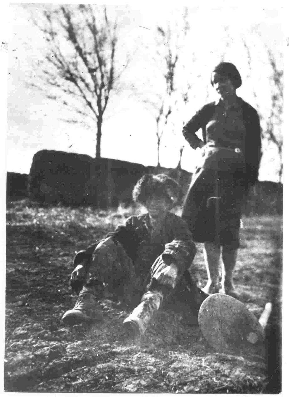 Аштан өлер алдындағы қазаққа көмек беруге тырысқан Татьяна Невадовская. Қазақстан, 1933 жыл