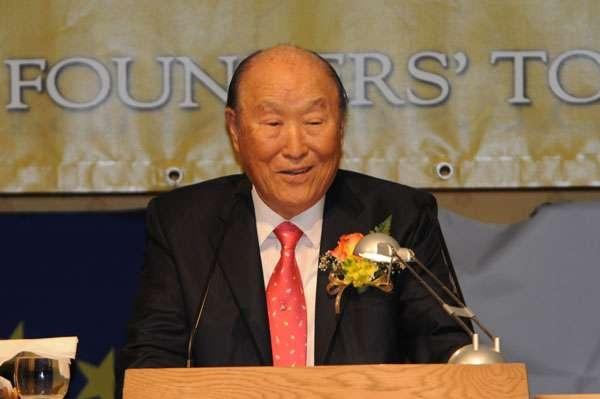 Мун бірлестік шіркеуінің негізін салушы Мун Сен Мен (1920-2012)