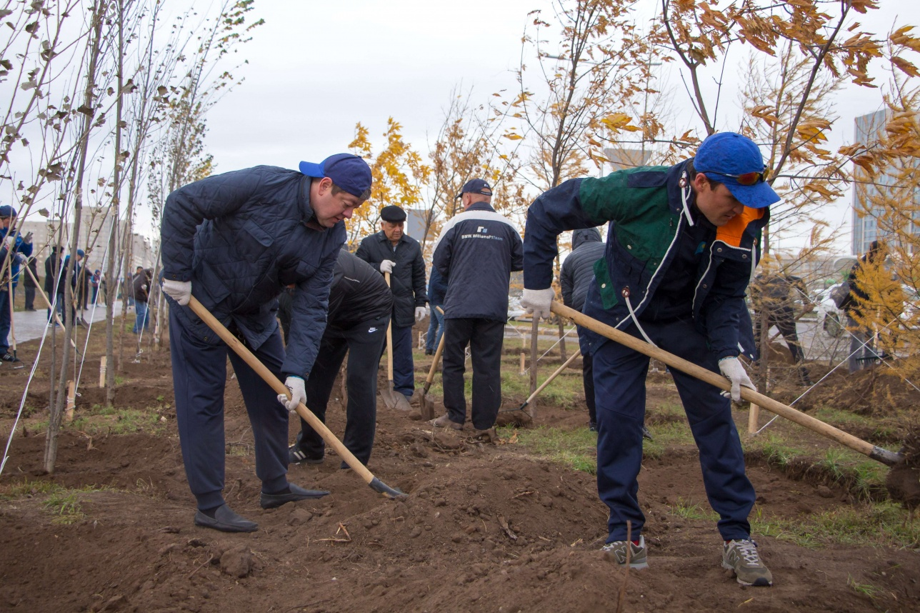 Глеб Щегельский слева
