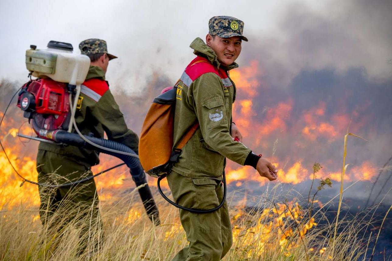 Тушение пожара десантниками авиаотряда