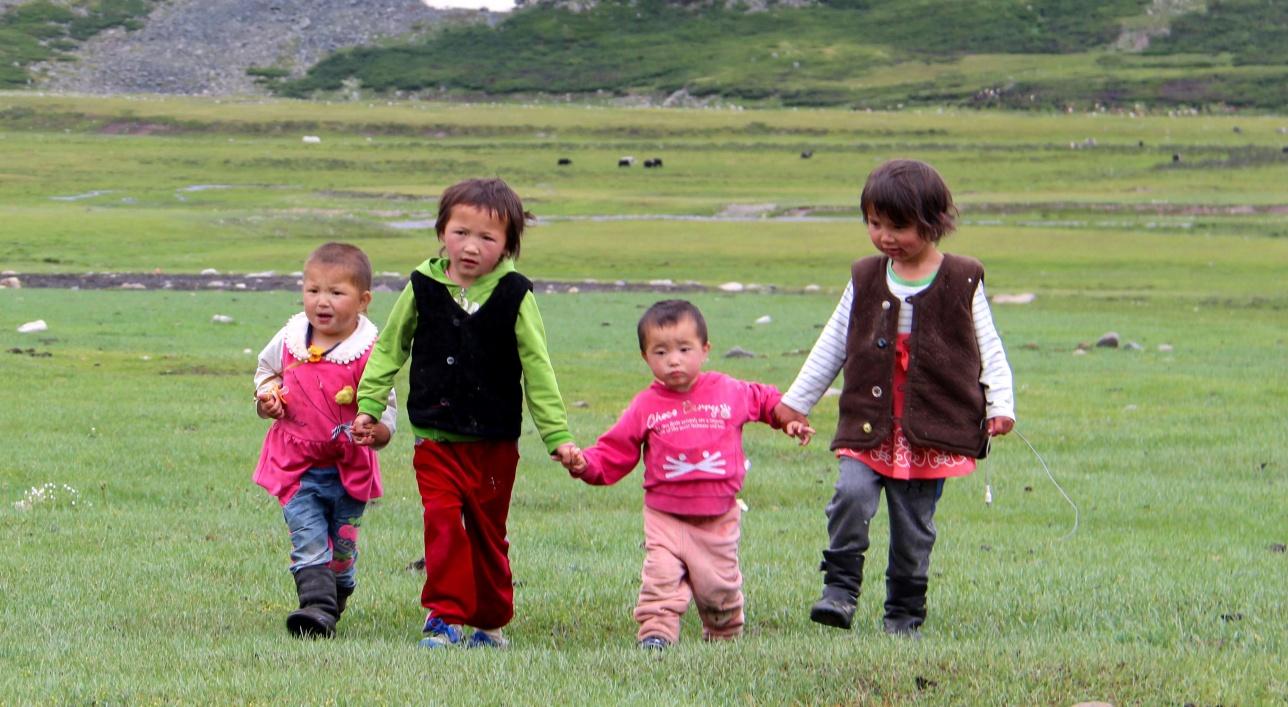 Жайлаудағы балалар