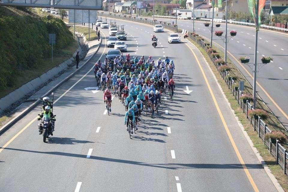 В Алматы стартовала крупнейшая в средней Азии велогонка