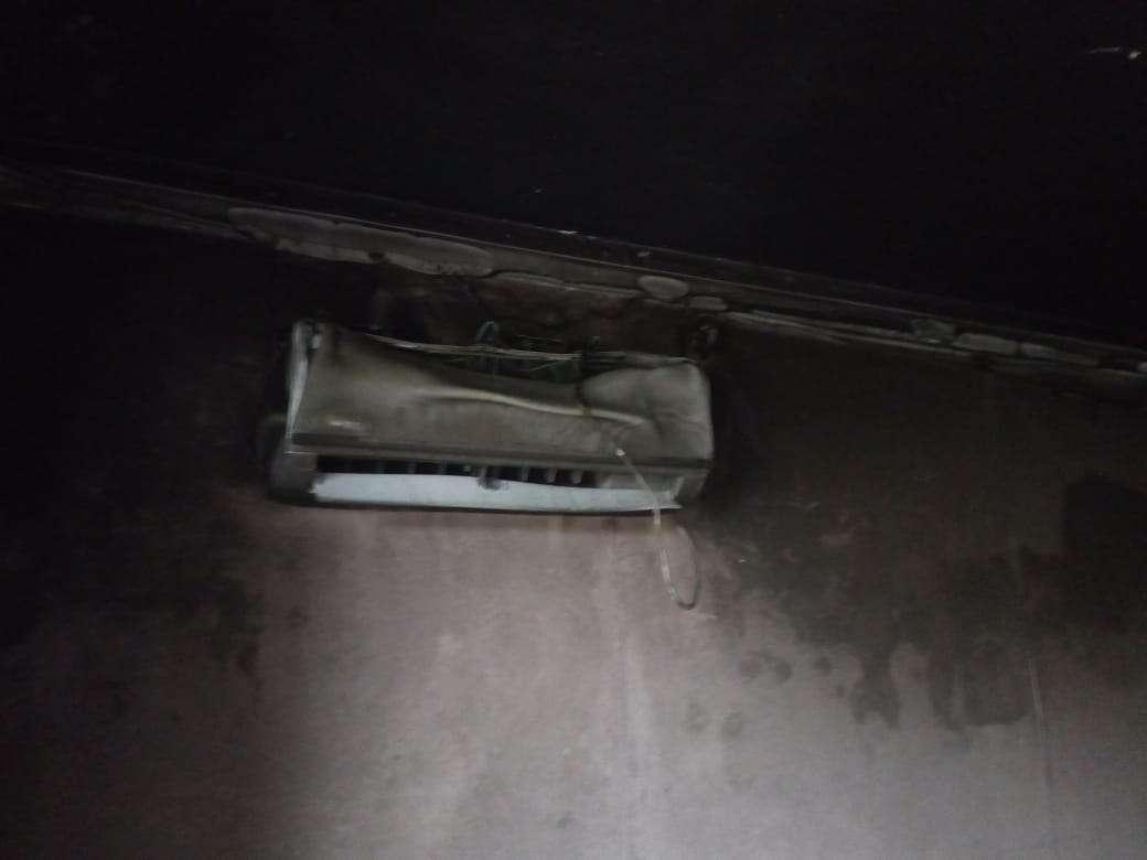 Чиновники пообещали жильцам помочь восстановить пластиковые окна на балконах