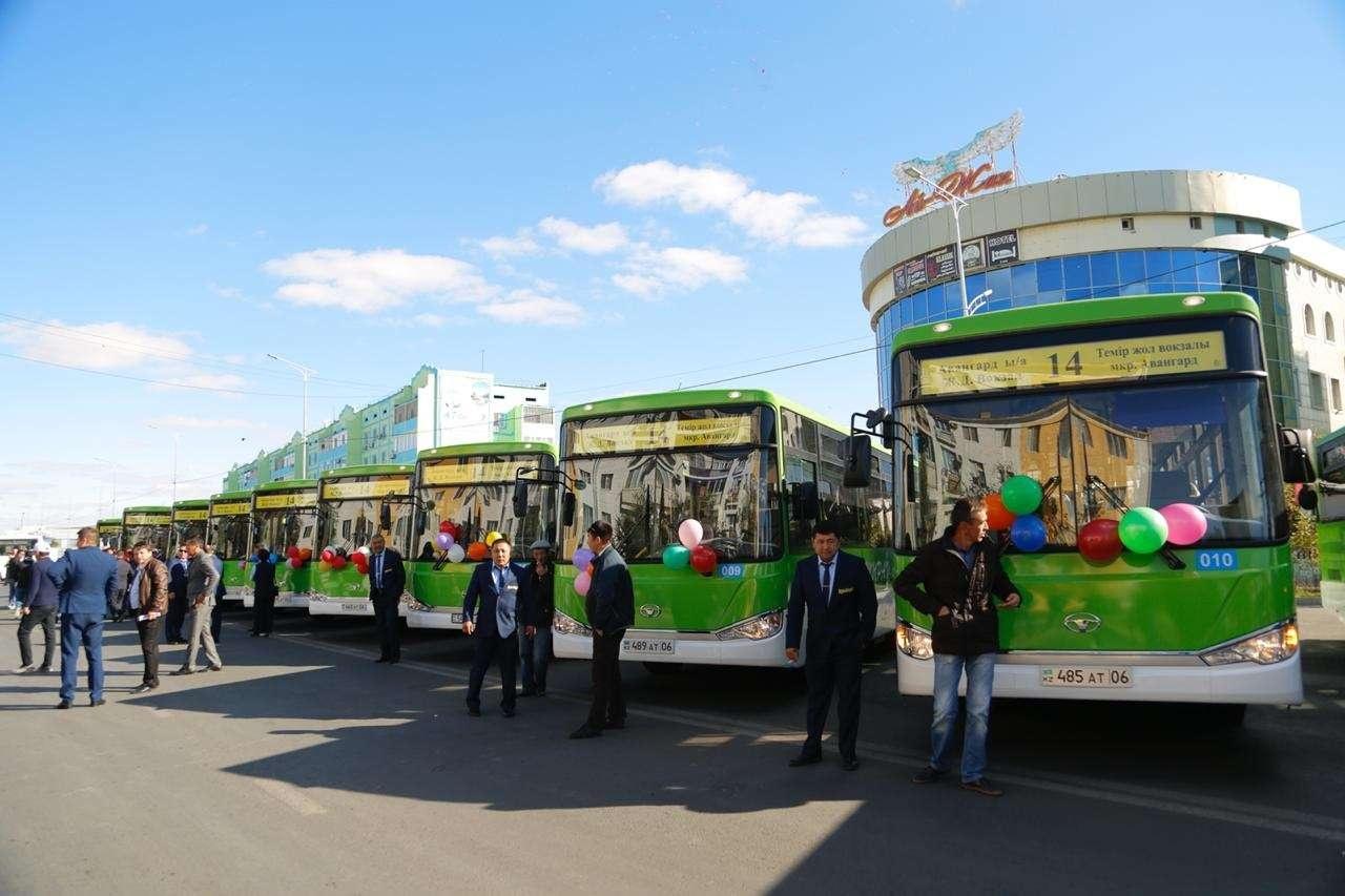 В Атырау приобрели 20 новых автобусов