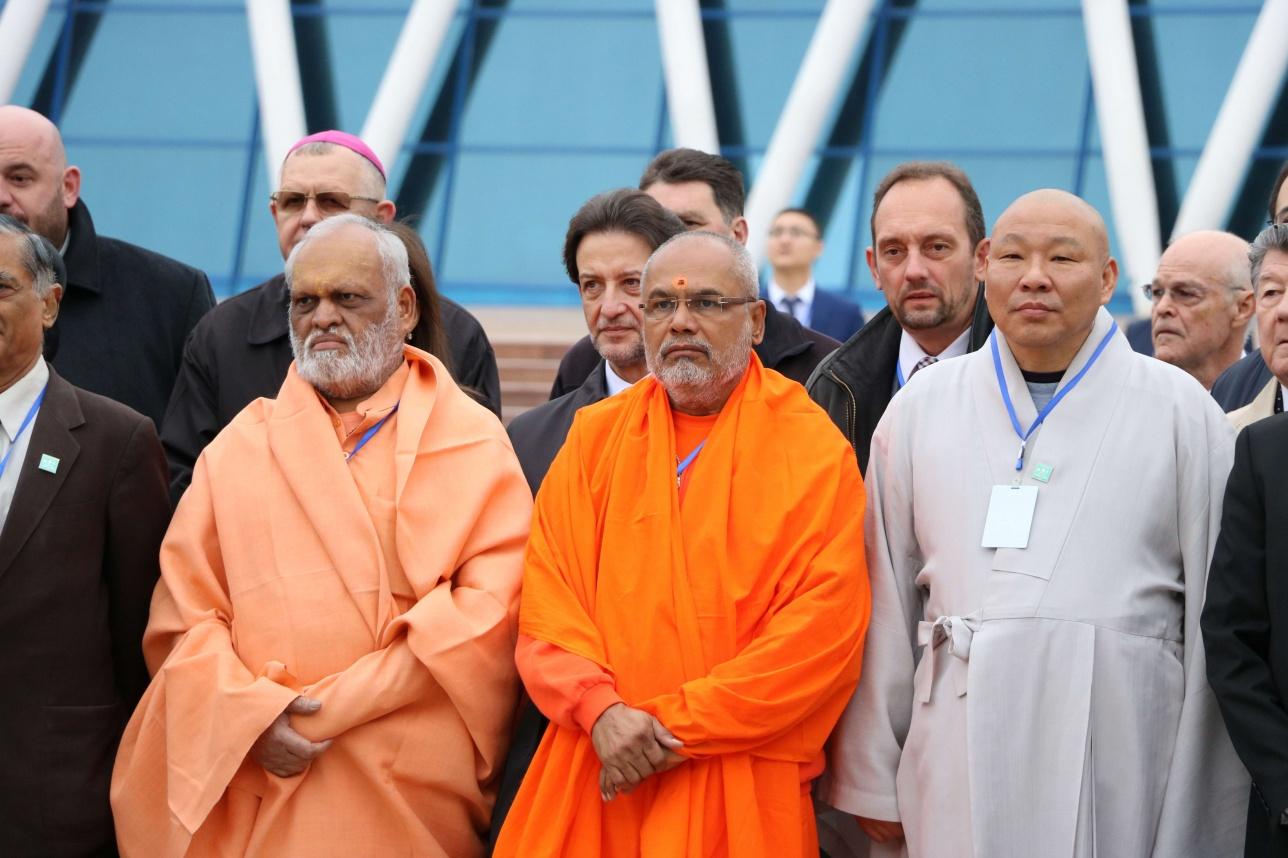 Общий молебен представителей мировых религий