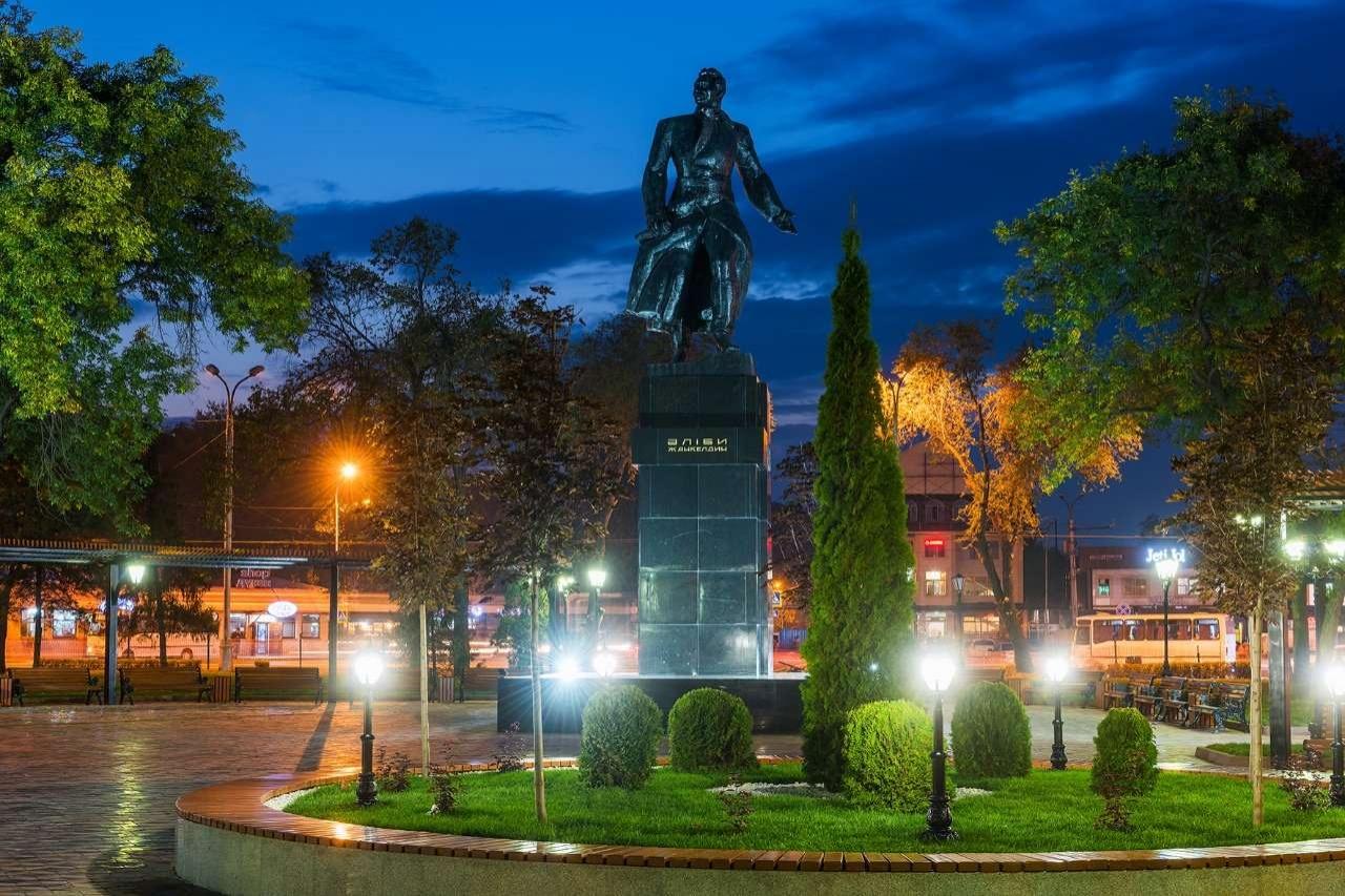 Памятник Алиби Жангильдину