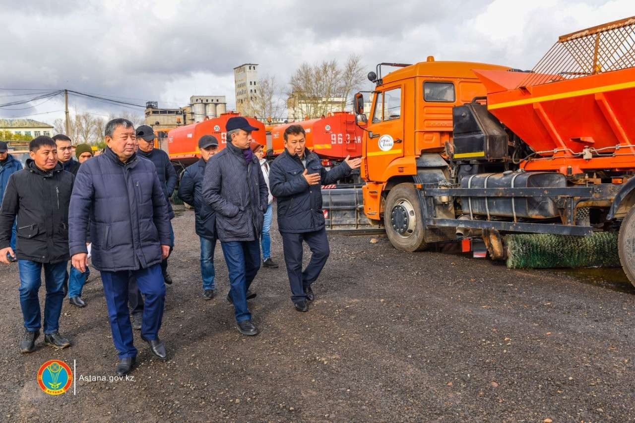 В Астане проверили готовность коммунальных служб к зимнему сезону