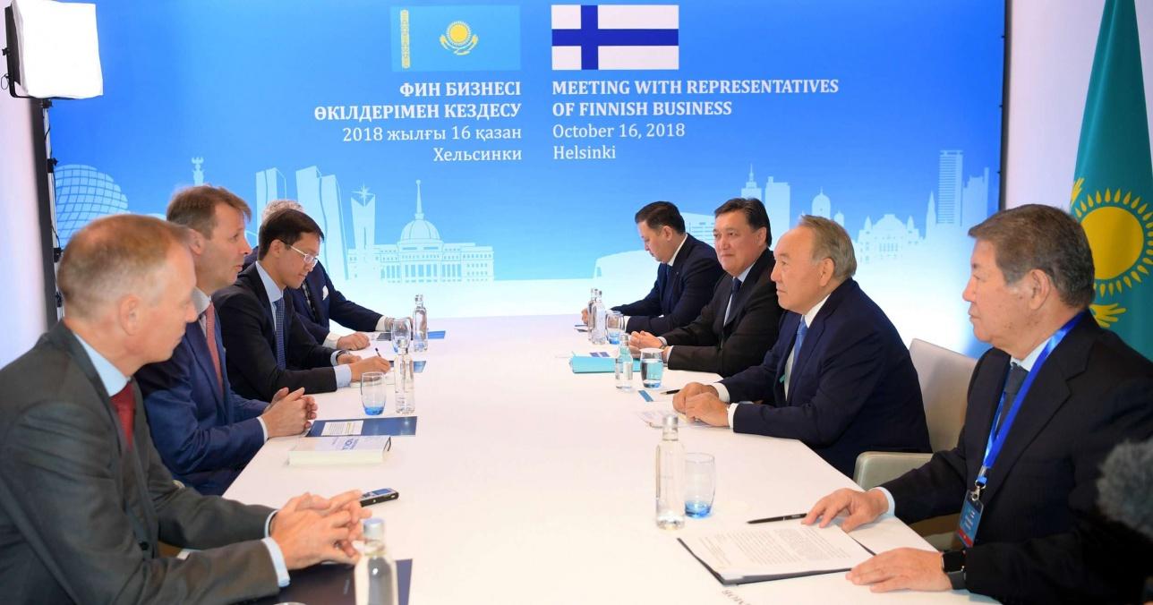 Нурсултан Назарбаев встретился с главой компании Nokia Corporation