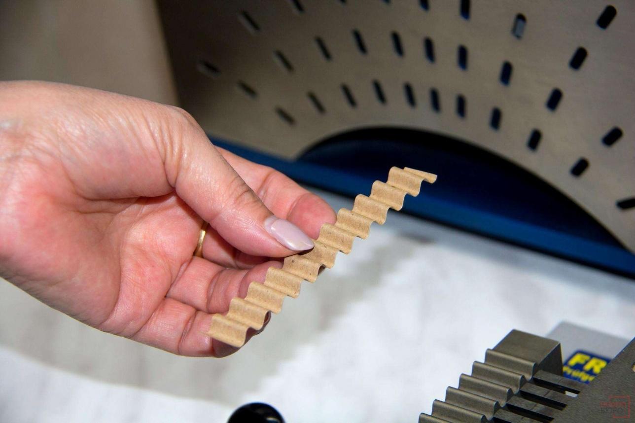 Бумага и картон проходят целую серию лабораторных испытаний