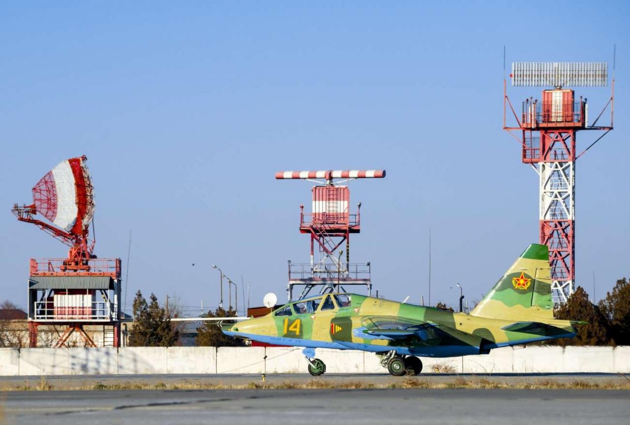 Су-25. Рулёжка на полосу