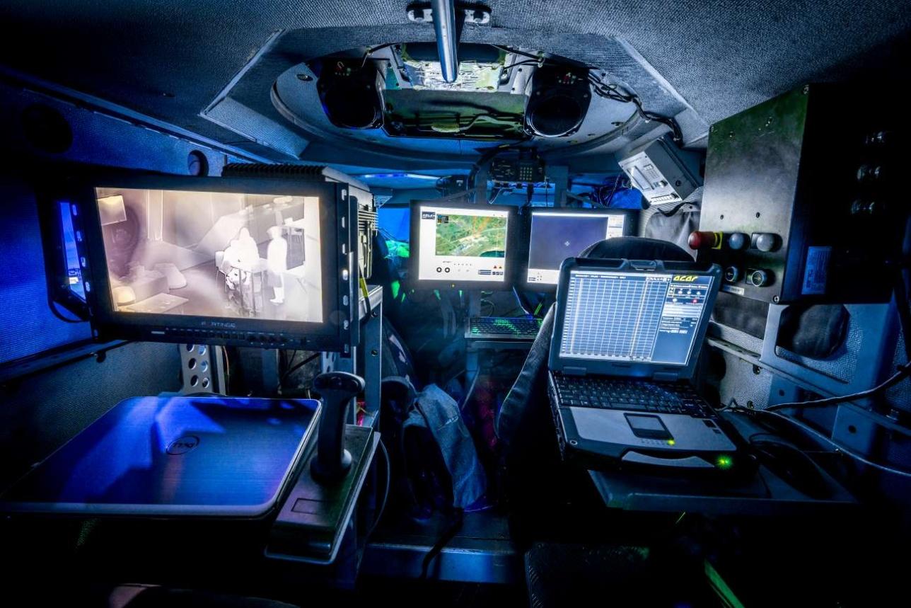 """Внутреннее пространство БКМ """"Арлан"""" в модификации машины оптико-электронной разведки"""