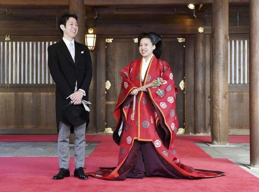 Японская принцесса Аяко, выйдя замуж за простолюдина, лишилась титула