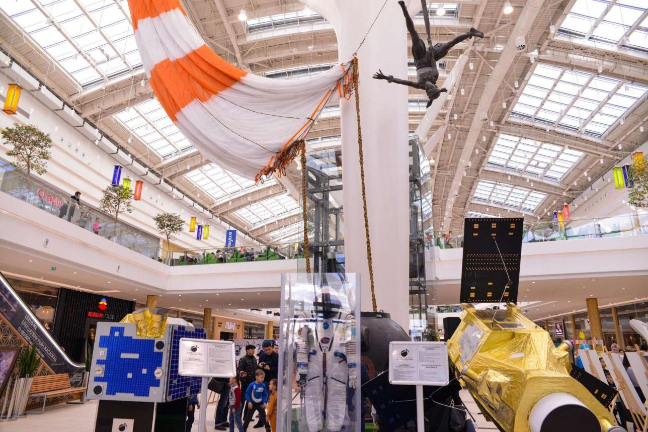 Уникальная космическая выставка открылась в ТРЦ MEGA Silk Way в Астане