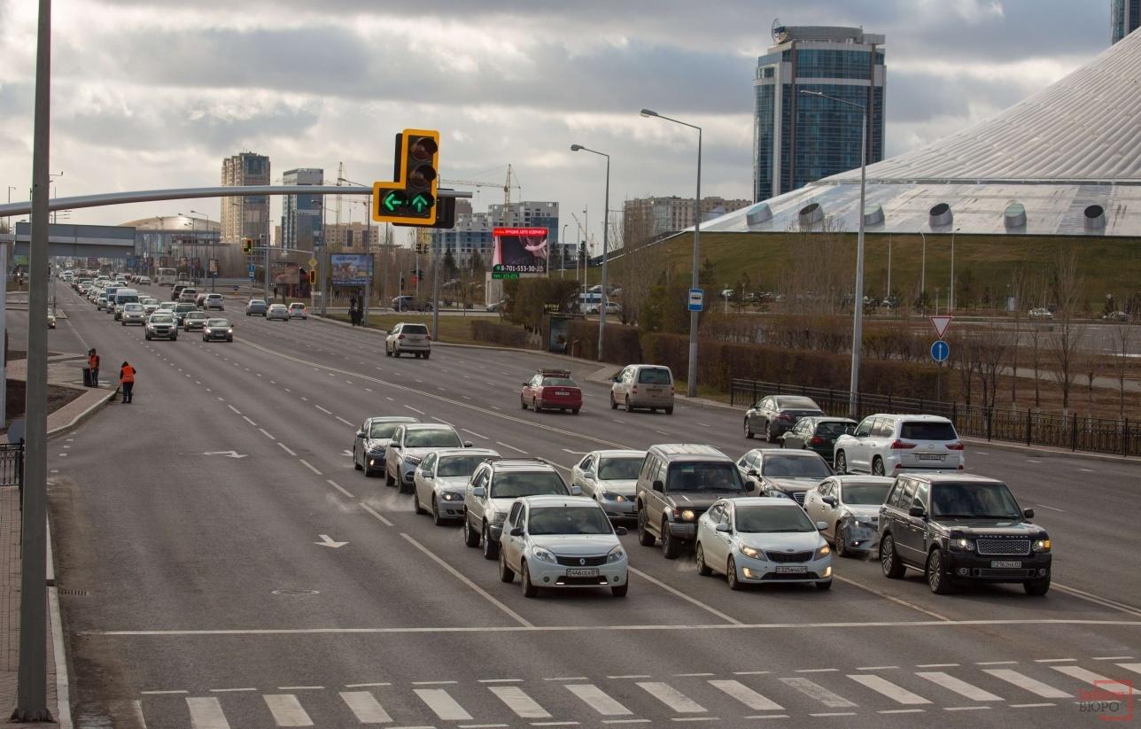 Количество машин в столице растёт в геометрической прогрессии