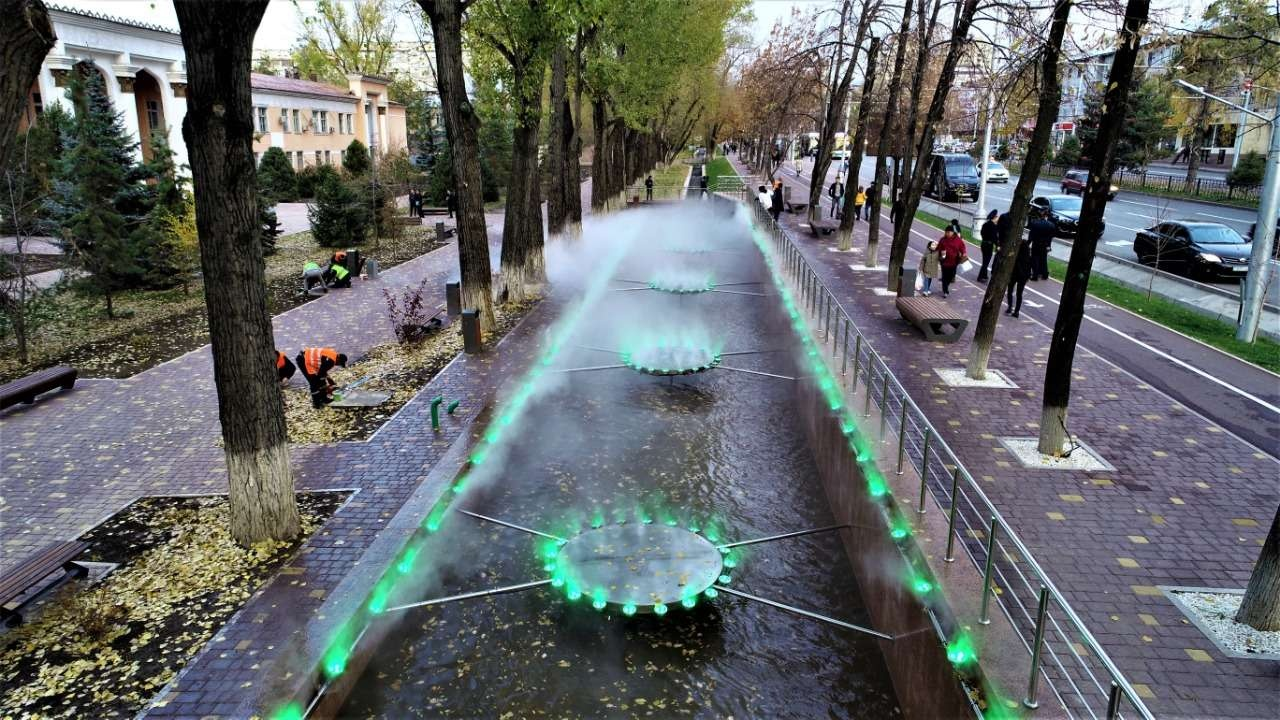 На улицах Алматы появляются новые фонтаны, старые - реконструируются