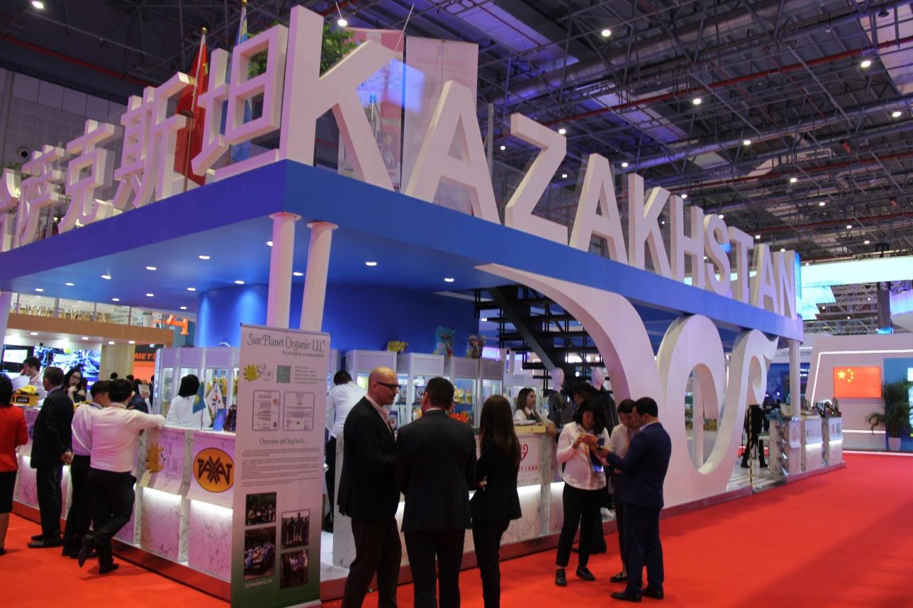 Казахстан представляют 30 компаний на выставке в Шанхае