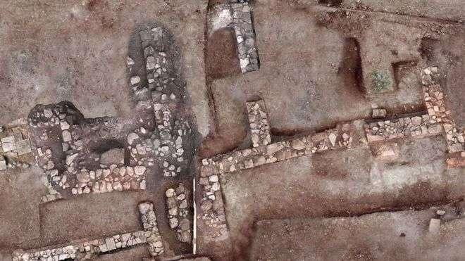 Стены древнего города Тенея