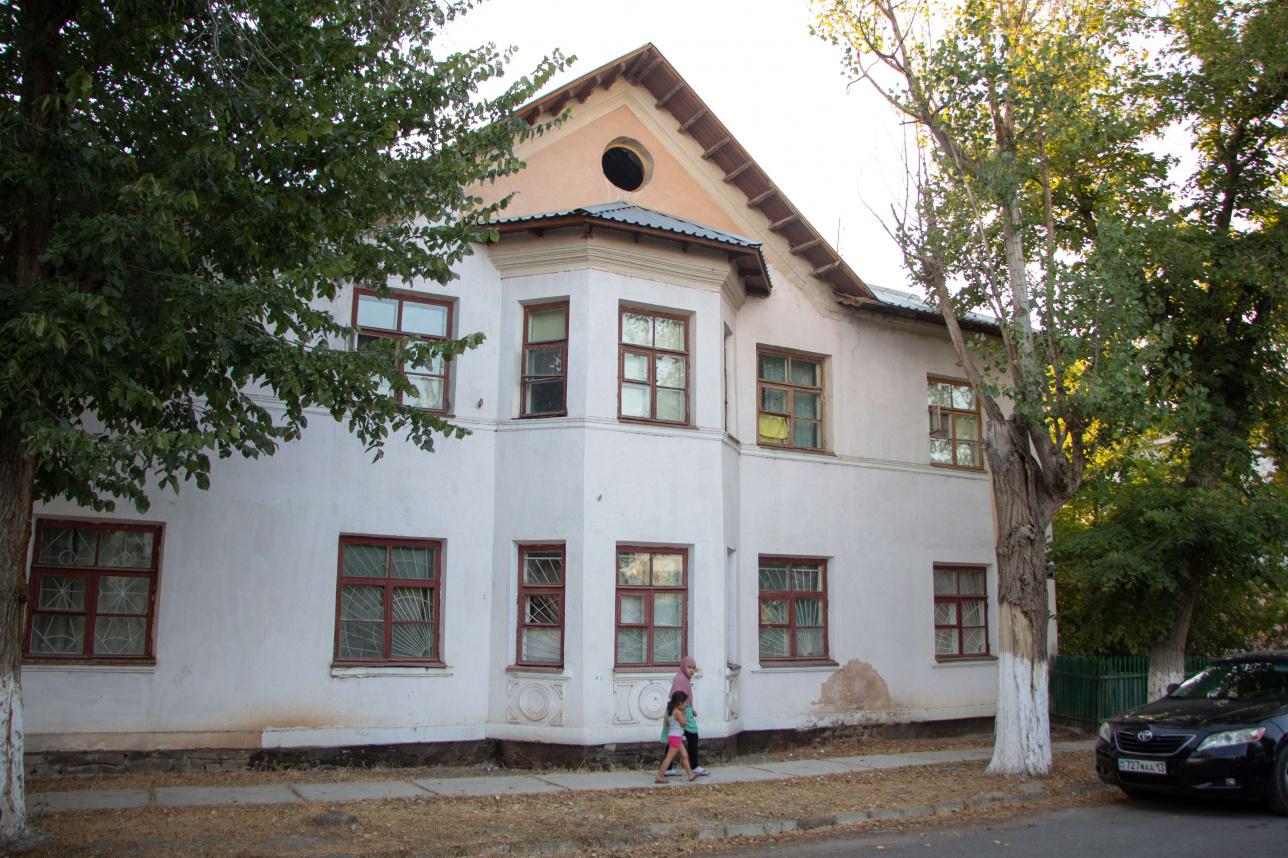 Дом, в котором живёт семья Рихтеров
