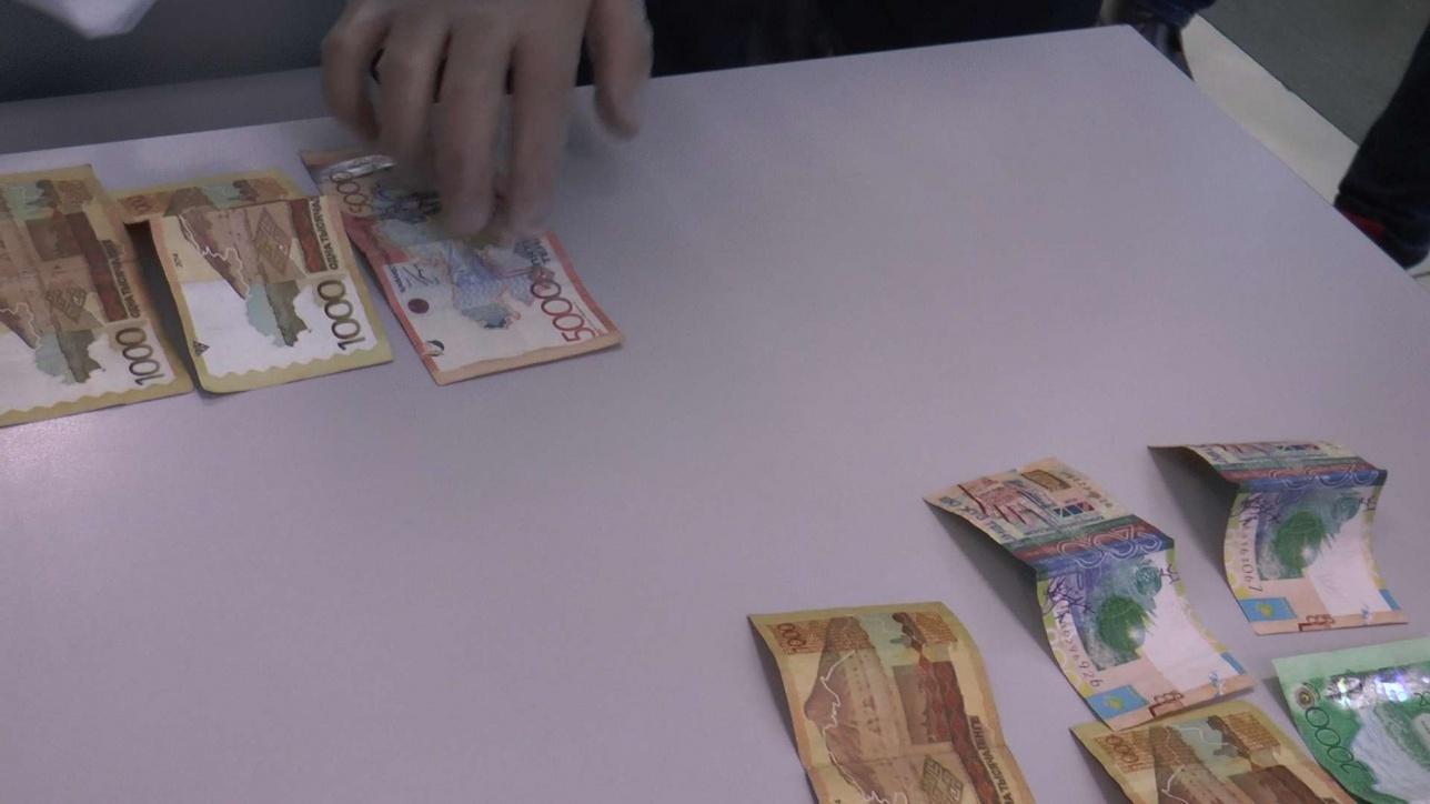 Получение услуг ускорялось по таксе - от 5 до 15 тысяч тенге