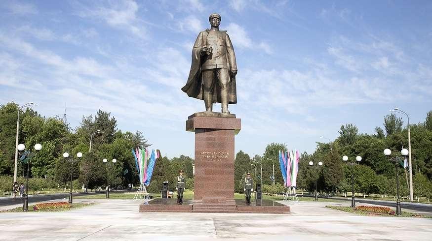 Генерал Сабыр Рахимовтың ескерткіші өз орнына қайта қойылды