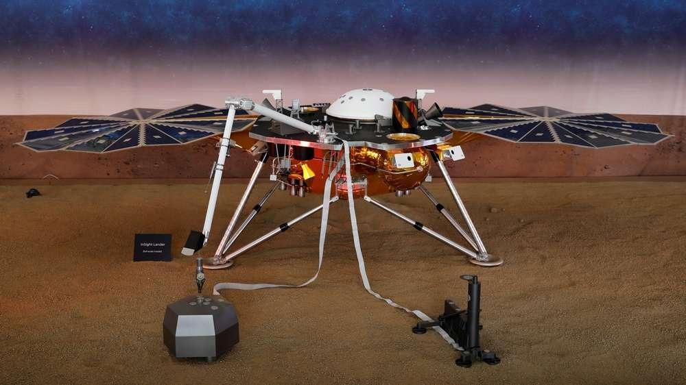 Зонд InSight запустили с Земли в мае этого года. До Марса он летел полгода