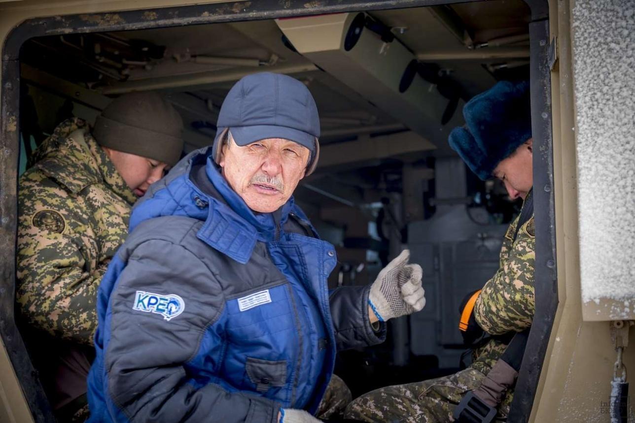 Заводскими испытаниями руководит главный специалист КPE Асан Жакиянов