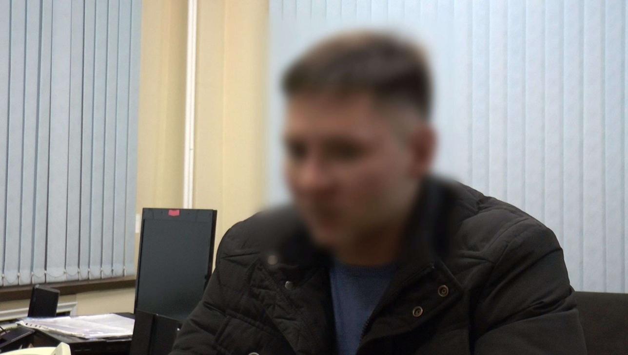 Один из задержанных расклейщиков плакатов