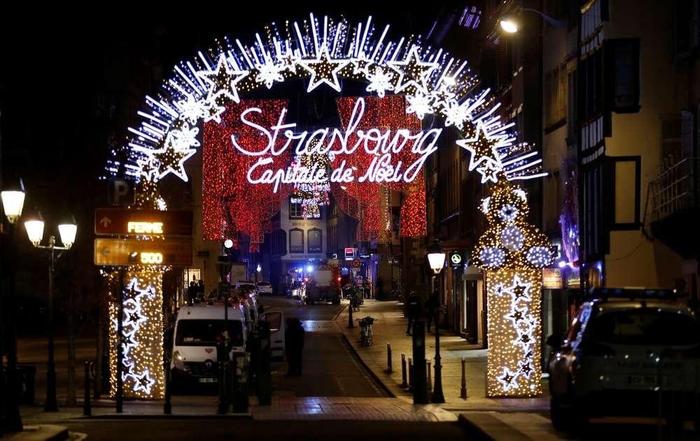 Рождественская ярмарка в Страсбурге вновь открылась