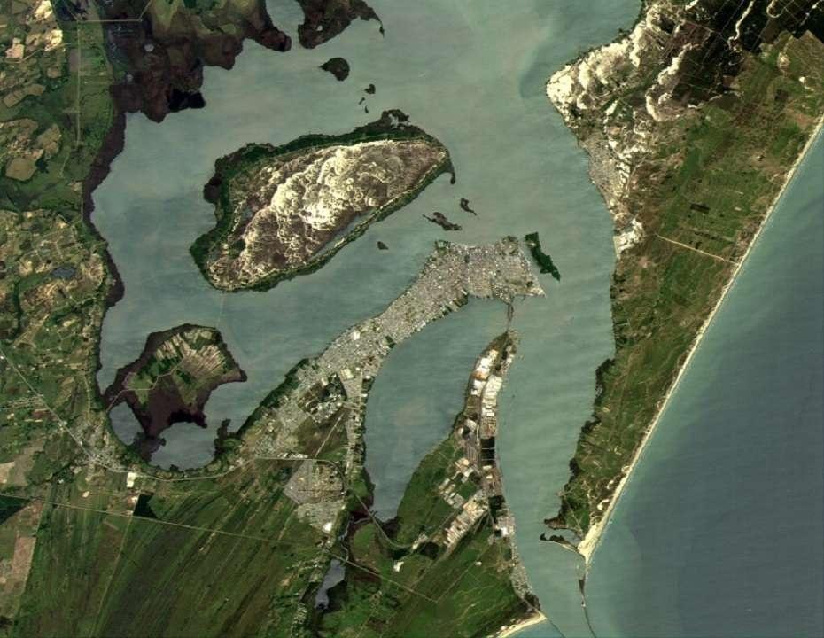 Казахстанский микроспутник KazSTSat сделал первый космический снимок