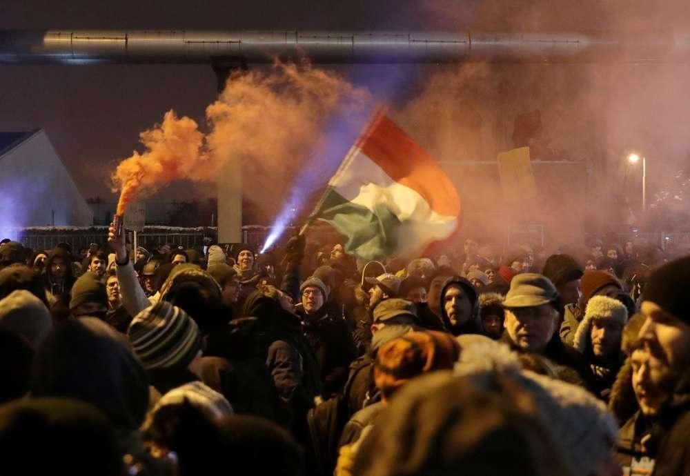 """Акция протеста в Будапеште против """"закона о рабстве"""""""