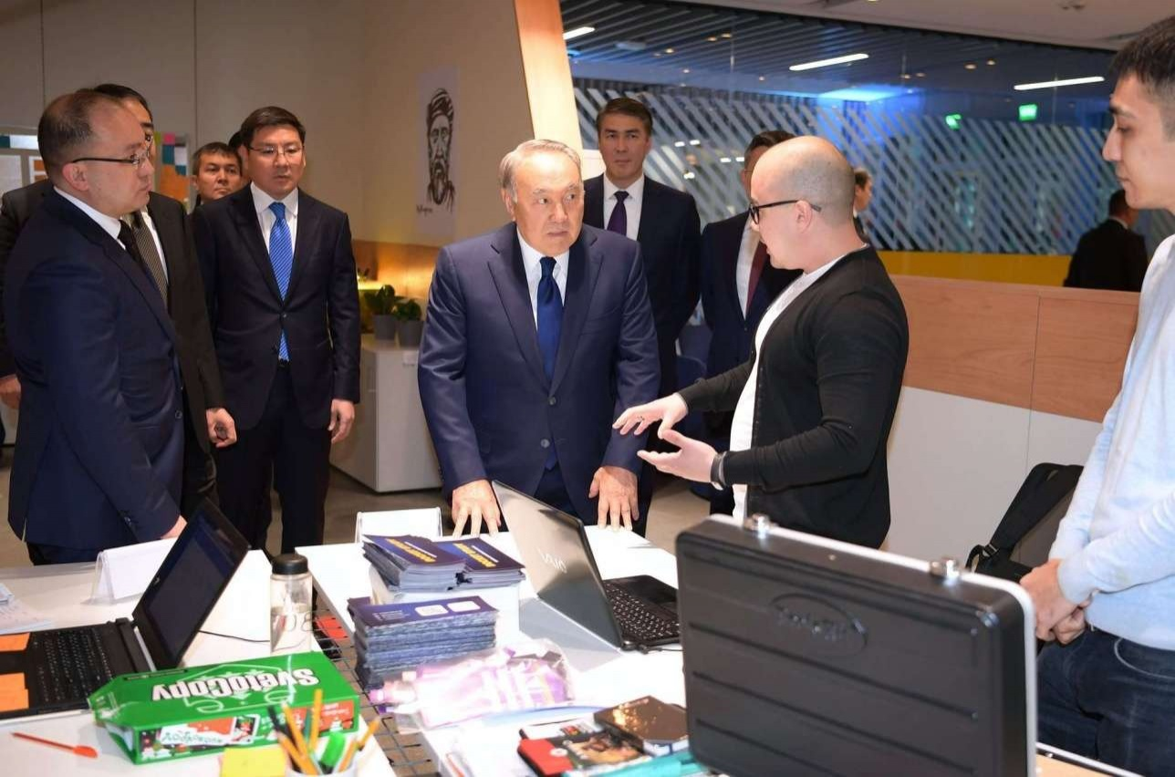 Нурсултану Назарбаева представили проекты компаний-резидентов Astana Hub