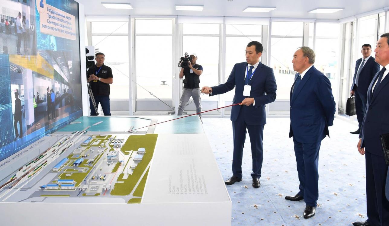 Канат Алпысбаев в августе презентовал Нурсултану Назарбаеву порт Курык