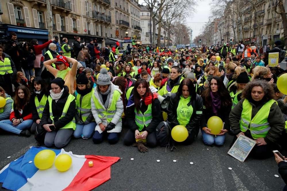 Организаторы акции заявили, что они выступают за прекращение насилия против демонстрантов