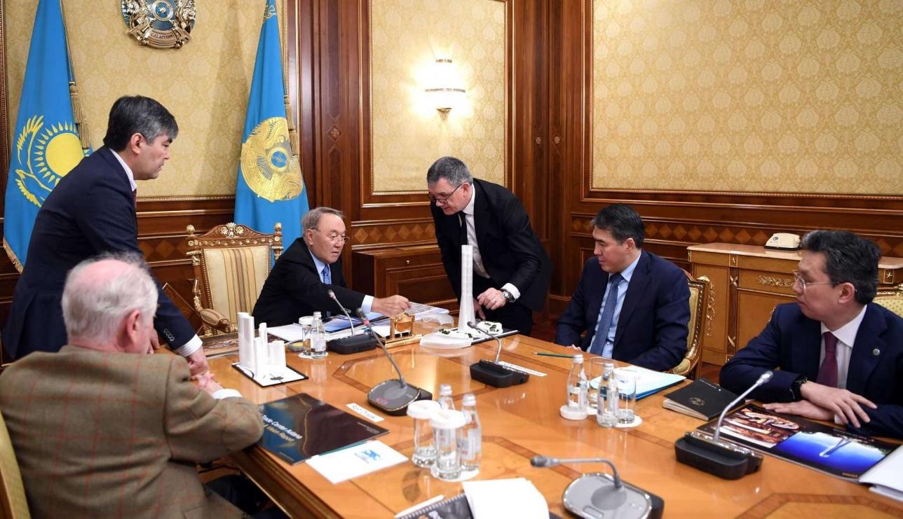 Назарбаеву представили проект строительства Всемирного торгового центра в Астане