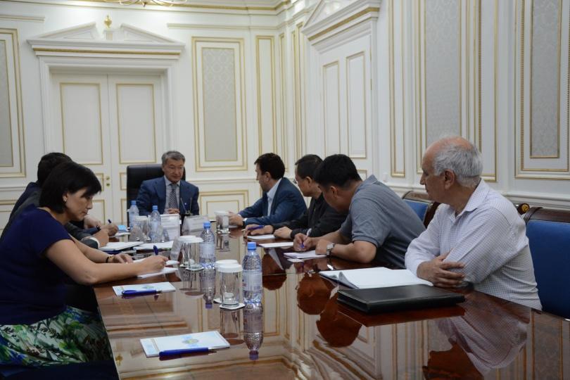 По мнению Даниала Ахметова к работе нужно привлекать больше восточно-казахстанцев.