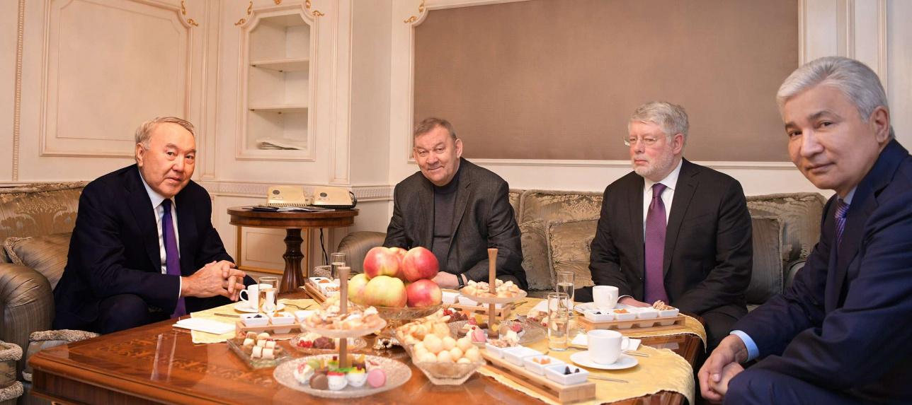 Во время беседы с генеральным директором Большого театра России В.Уриным.