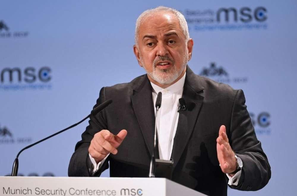 Министр иностранных дел Ирана Мухаммед Джавад Зариф выступает на ежегодной Мюнхенской конференции по безопасности 17 февраля