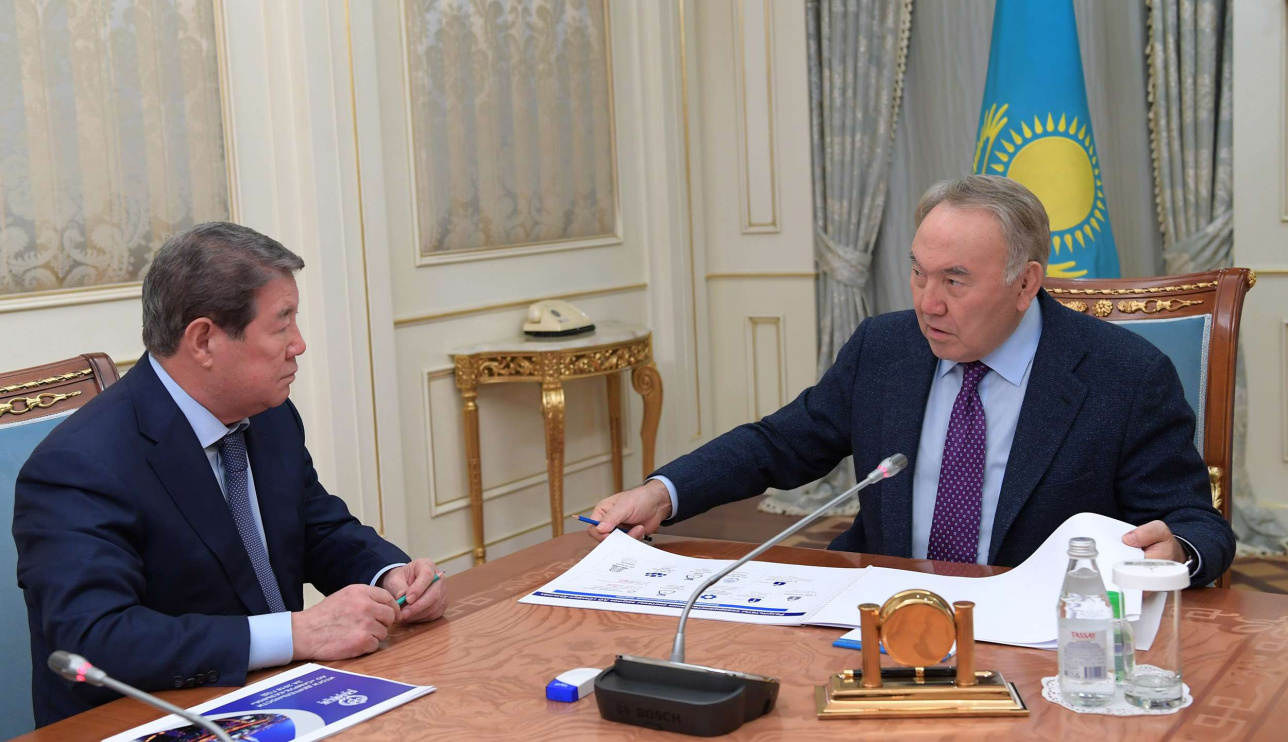 Назарбаев встретился с Ахметжаном Есимовым