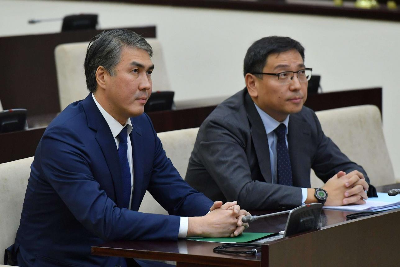 Асет Исекешев и Ерболат Досаев