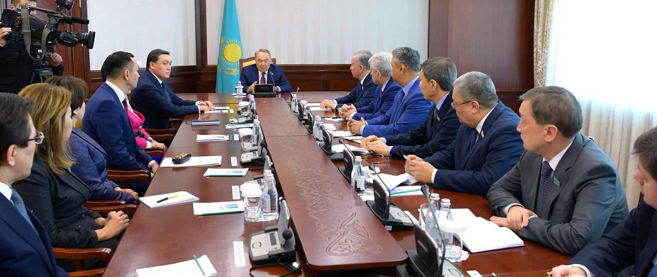 Нурсултан Назарбаев отметил, что Аскар Мамин работает с ним уже четверть века
