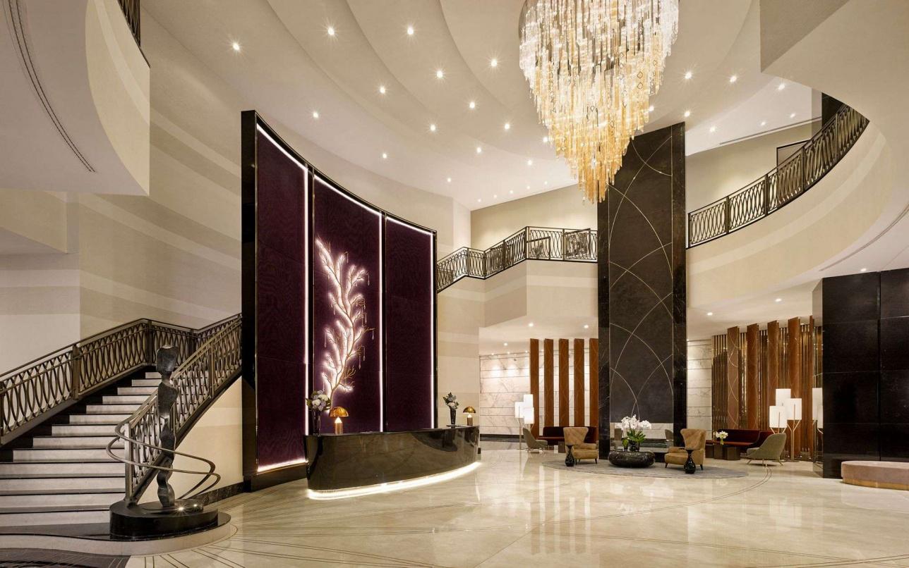 Лобби отеля The Ritz-Carlton, Astana