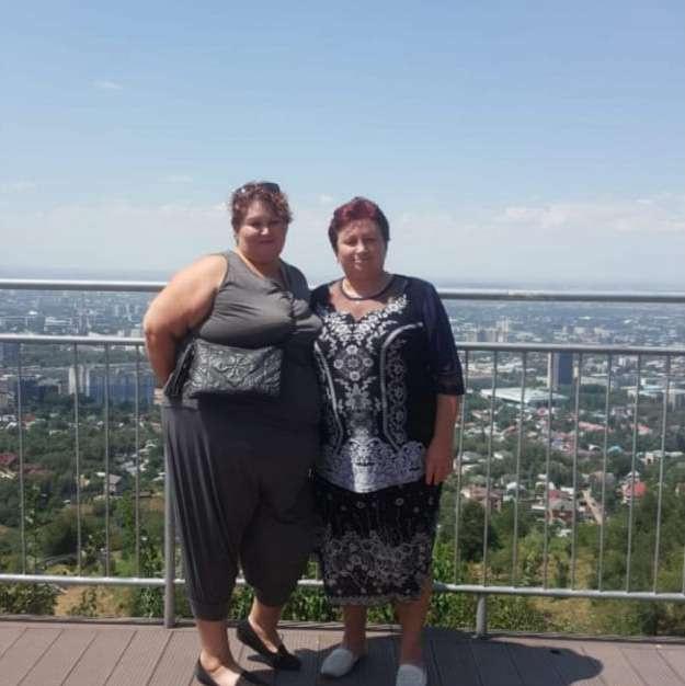 Светлана (слева) с мамой