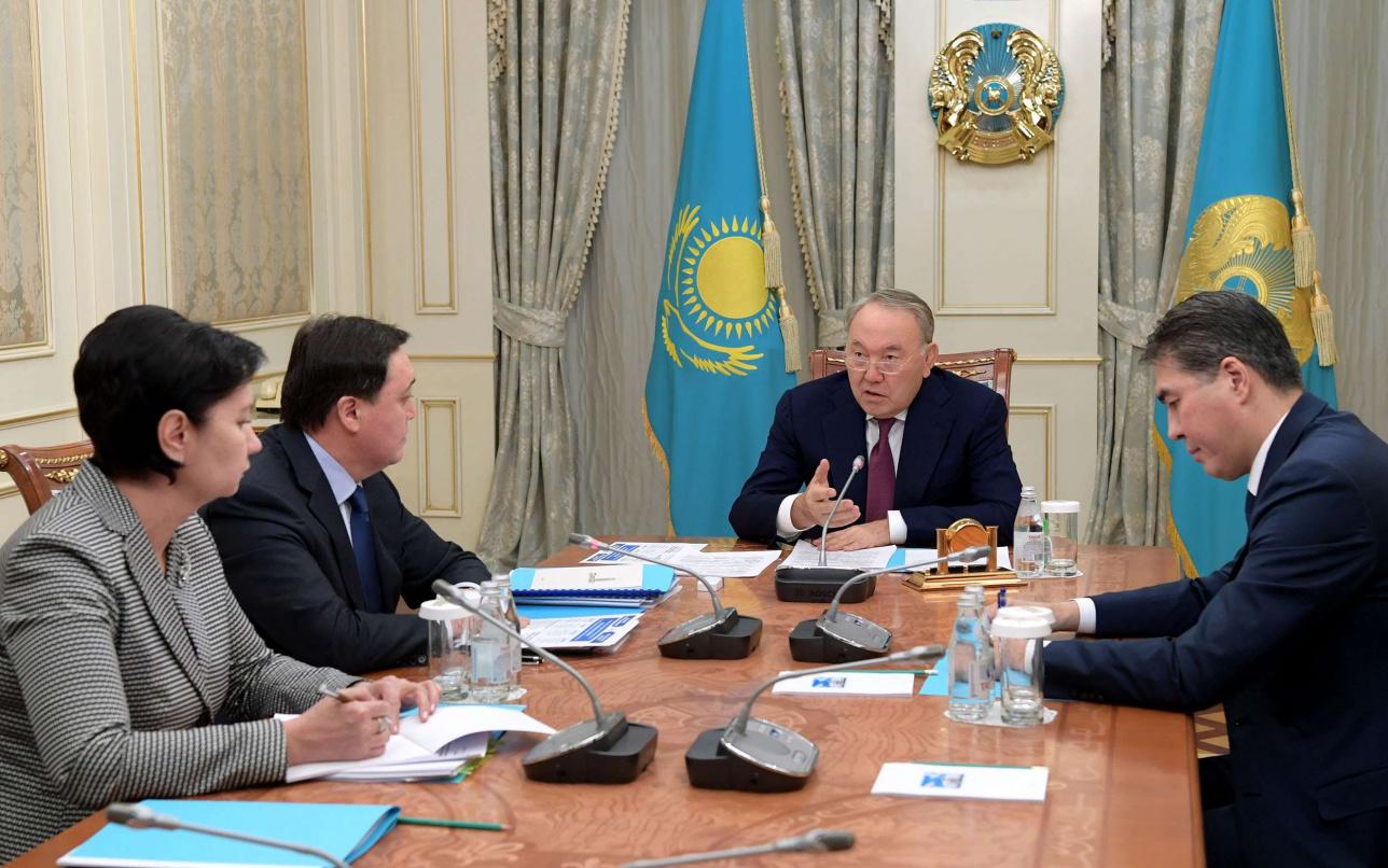 Президент поручил начать выплаты социальной помощи с 1 апреля