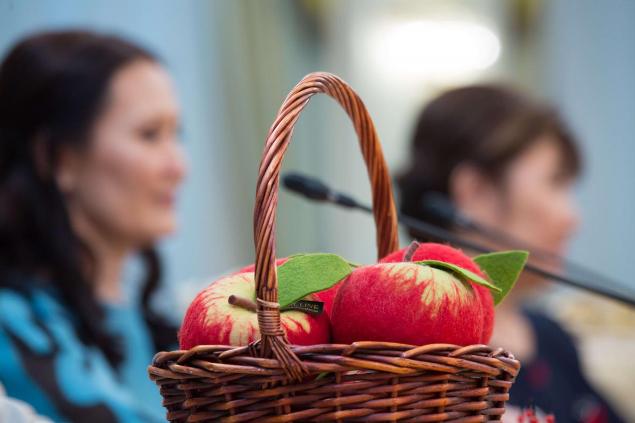 Войлочные яблоки