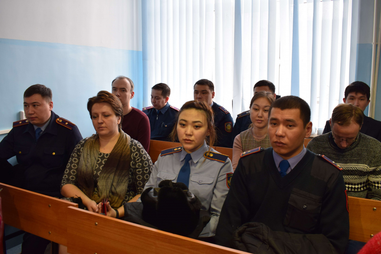 В суд пришли коллеги бывшего полицейского