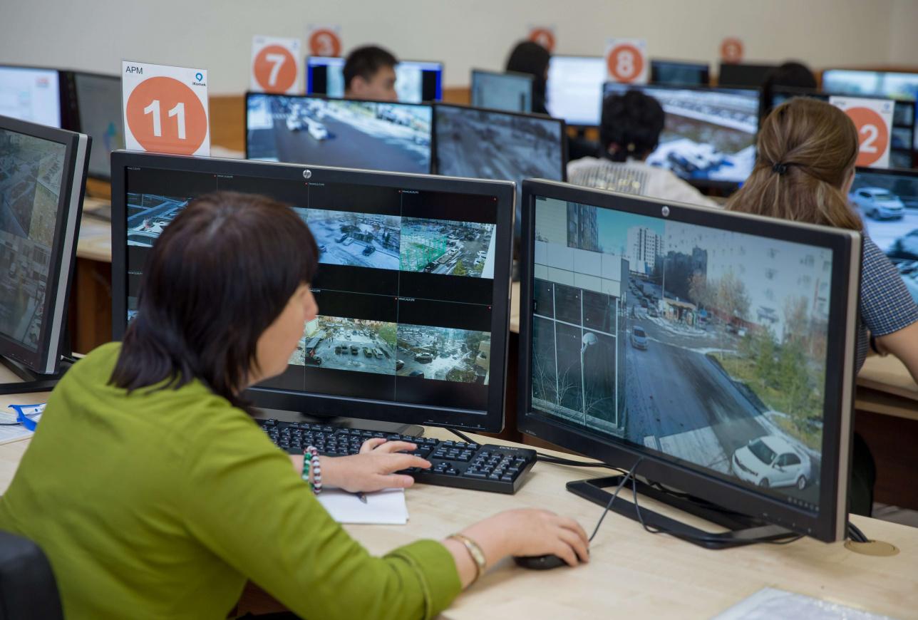 Живые полицейские всё больше уступают место машинам и цифровым технологиям