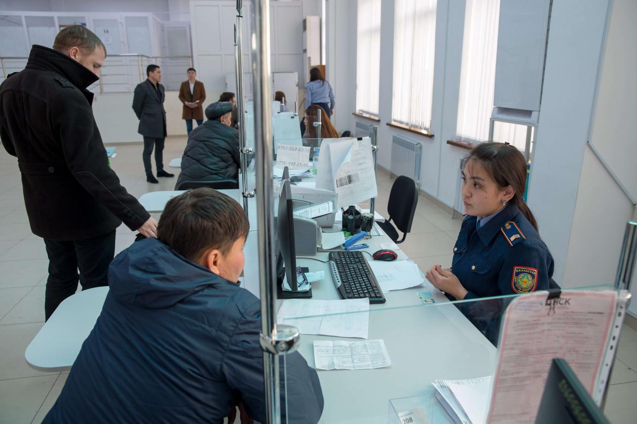 Контакт полицейского и гражданина намерены свести к минимуму