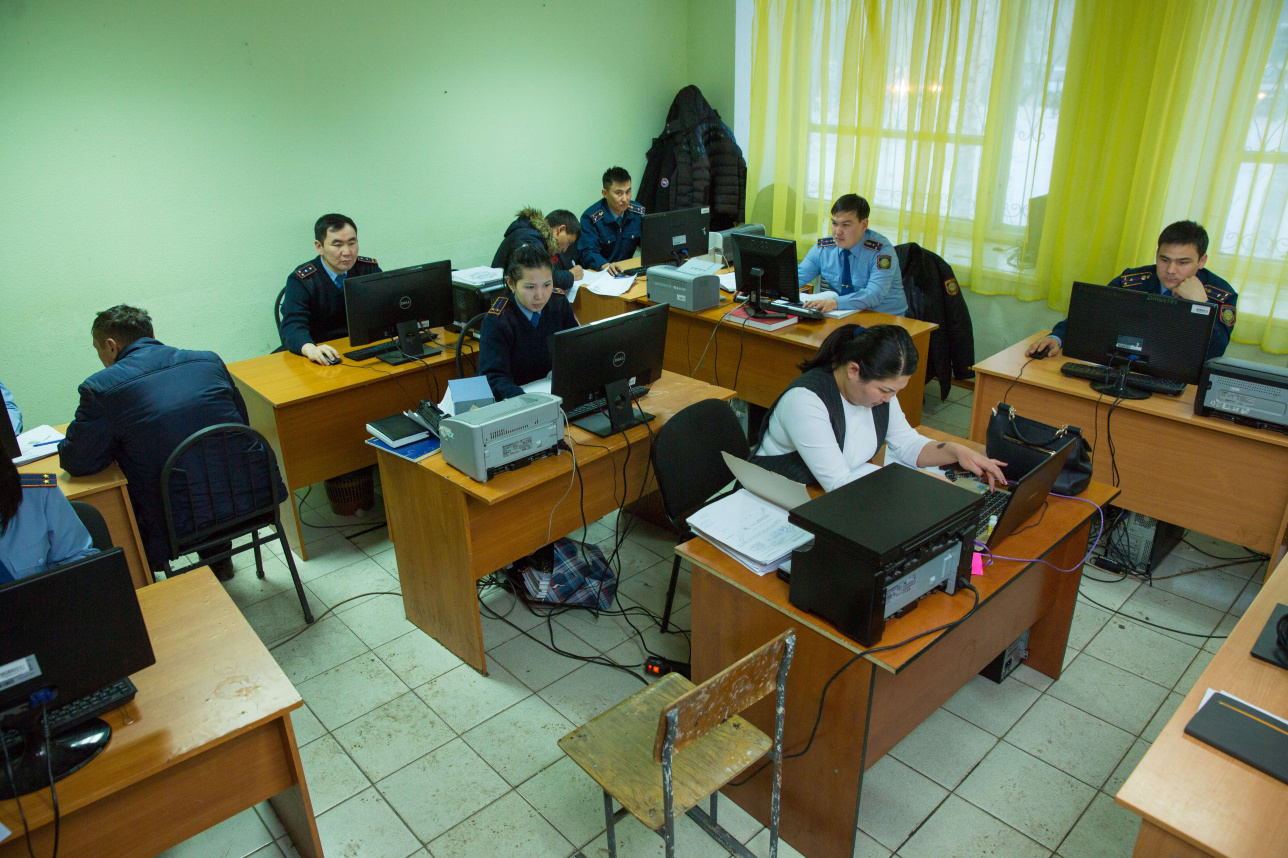 В МВД признали, что значительная часть сотрудников работает в стеснённых условиях