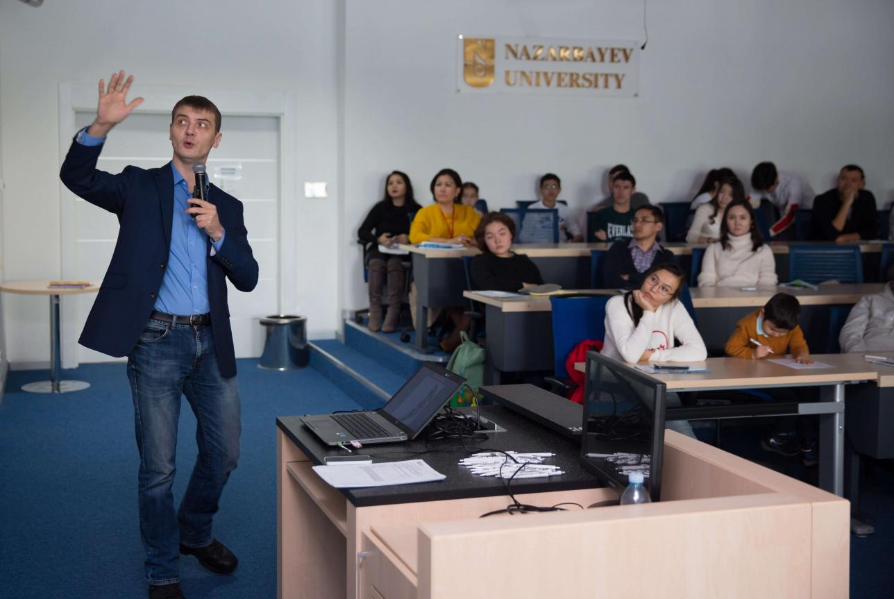 Лекция про космические исследования на Astana Science Festival