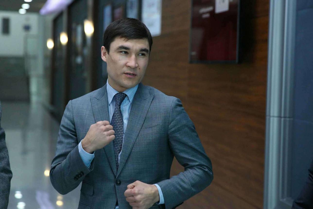 Серик Сапиев на конгрессе